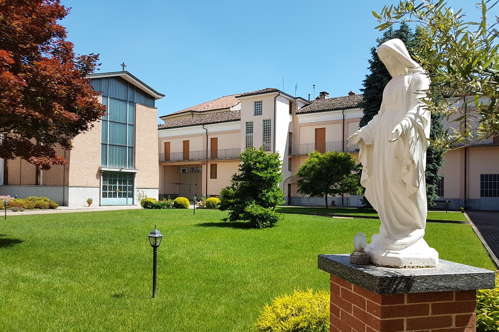 Garden statues: how to choose your outside religious garden statue