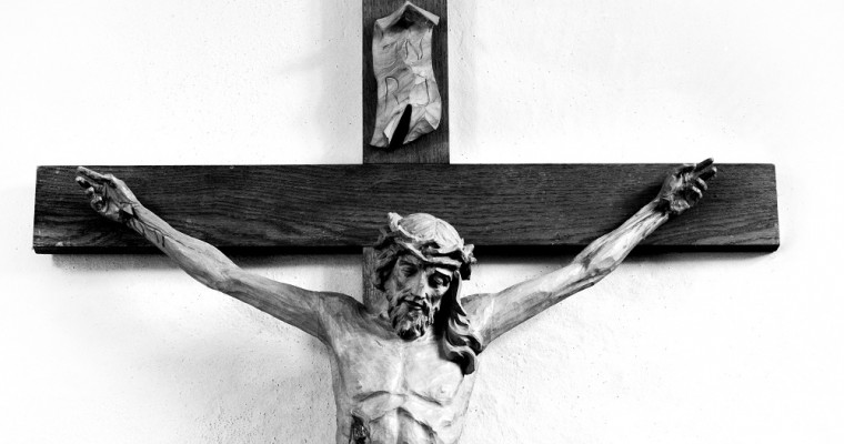 10 crucifixes for your home: check them out on the Holyart catalog