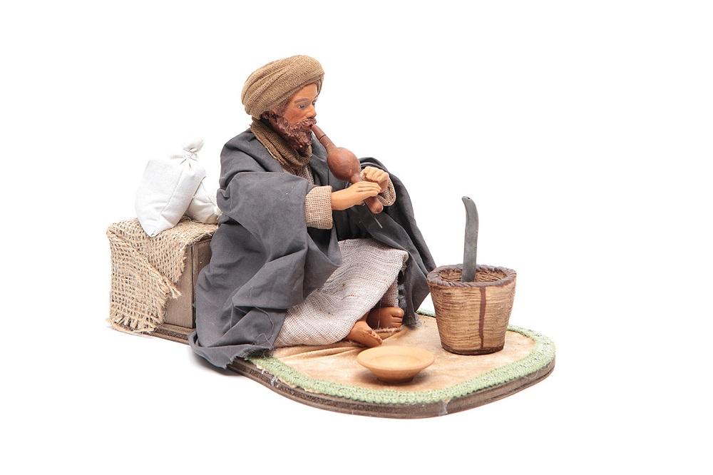 Animated statues in the Neapolitan Nativity scene